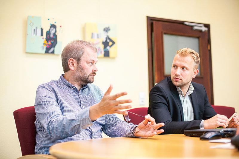Bankspiegel: Reise in die GLS Bank - Teil 1 - Michael Orth und Raimund Sichmann