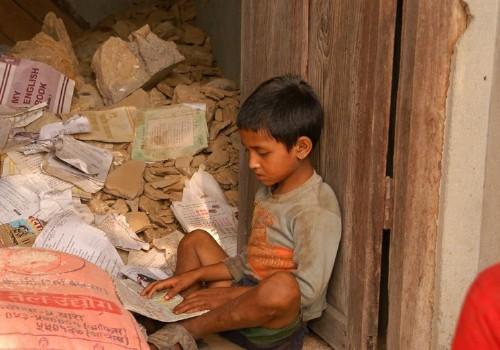 Schlechte Lebensbedingungen nach dem Erdbeben in Nepal