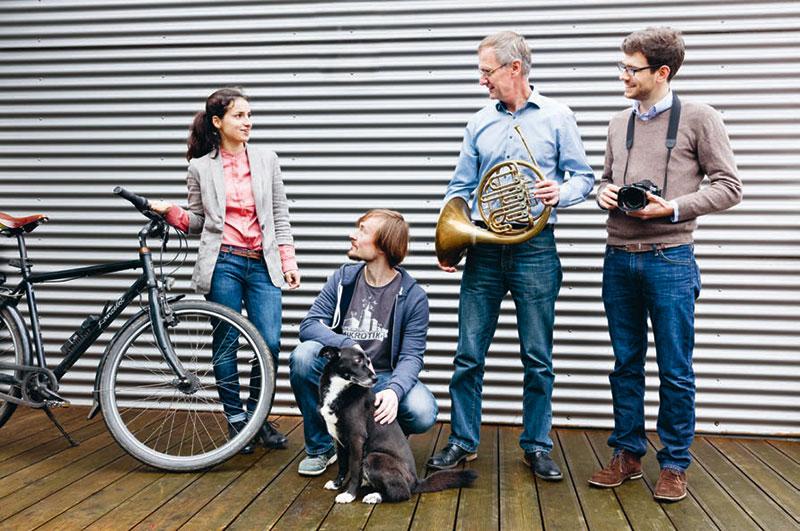 Elinor: Fahrräder, Tiere, Musikinstrumente oder Fotoausrüstung — alles solidarisch absichern.