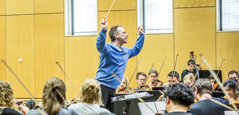 Junge Deutsche Philharmonie: Jonathan Nott