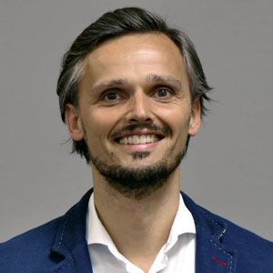 Lukas Adams – Nachhaltige Geldanlagen wie Fonds, ETFs oder Notes