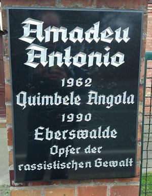 Amadeu Antonio Gedenktafelftung