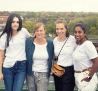 Team Fairnica, Gründerin Nicola Henseler zweite von rechts, und drei ihrer helfenden Freundinnen / Foto Martin Steffen